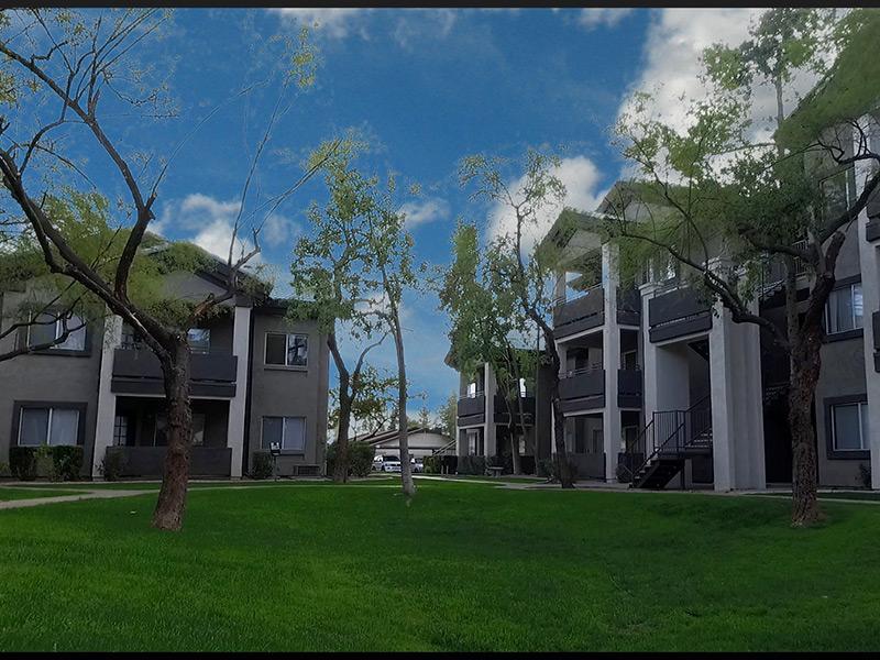 Exterior   Lindsay Palms Apartments