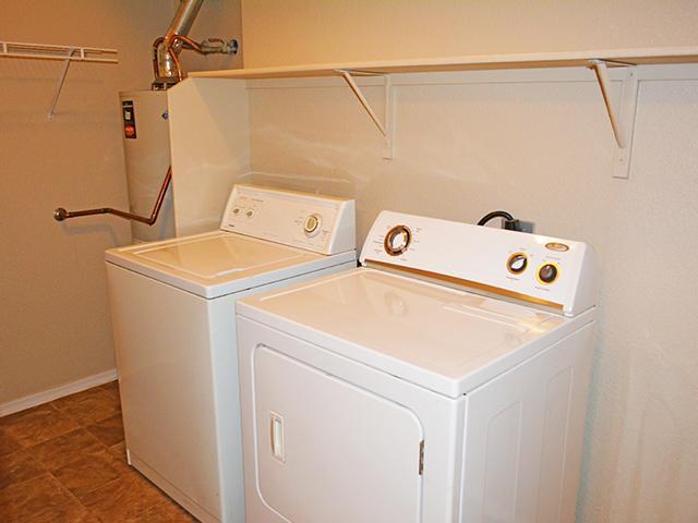 Laundry   Lindsay Palms Apartments