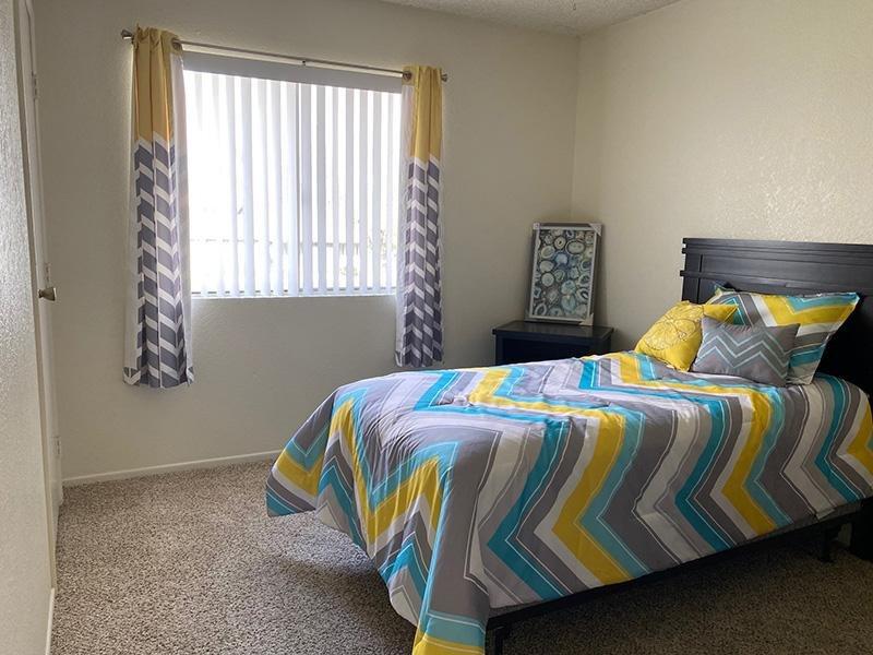 Room | Falcon Glen Apartments in Mesa