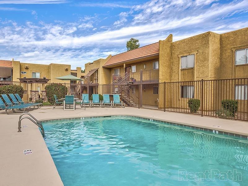 Pool | Luxury Apartments in Phoenix, AZ