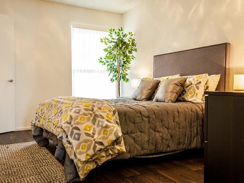 Room | Plaza 550