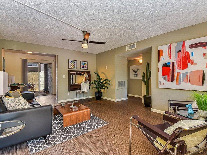 Living Room | Seventeen 805 an Apartment Community