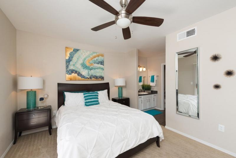 Bedroom | Allegro Apartments