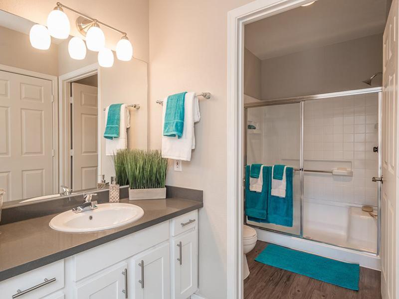 Bathroom | Allegro Apartments
