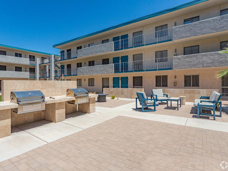 BBQ Area | Avalon Apartments