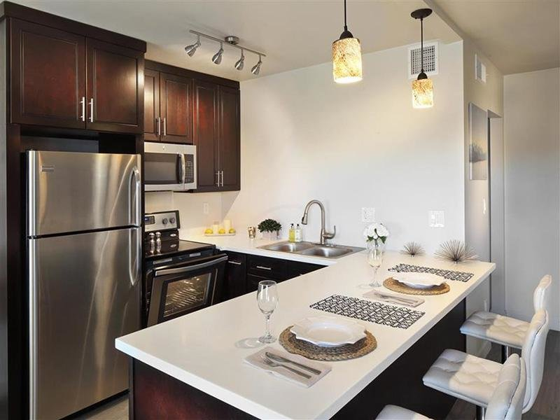 Kitchen | Avalon Apartments