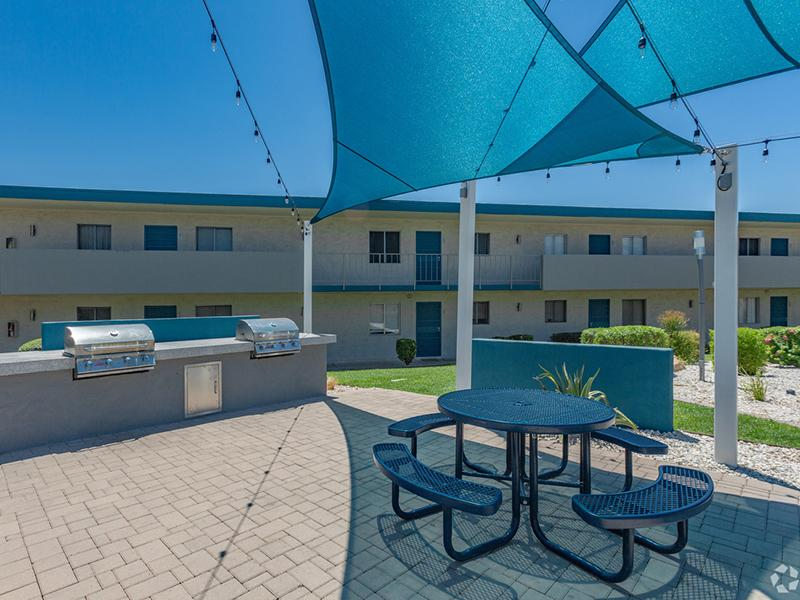 Avalon Apartments BBQ Area | Phoenix, AZ