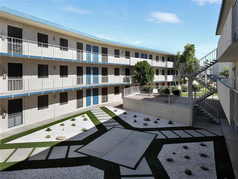 Courtyard | Avalon Apartments