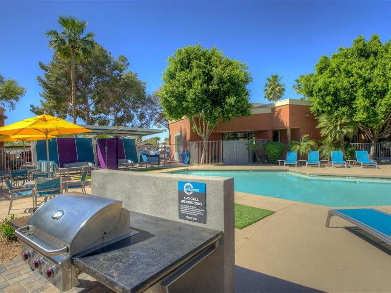 Poolside BBQ Area | The Maddox Apartments