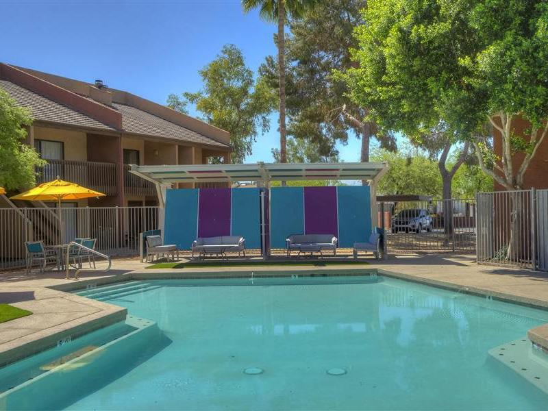Swimming Pool | The Maddox Apartments
