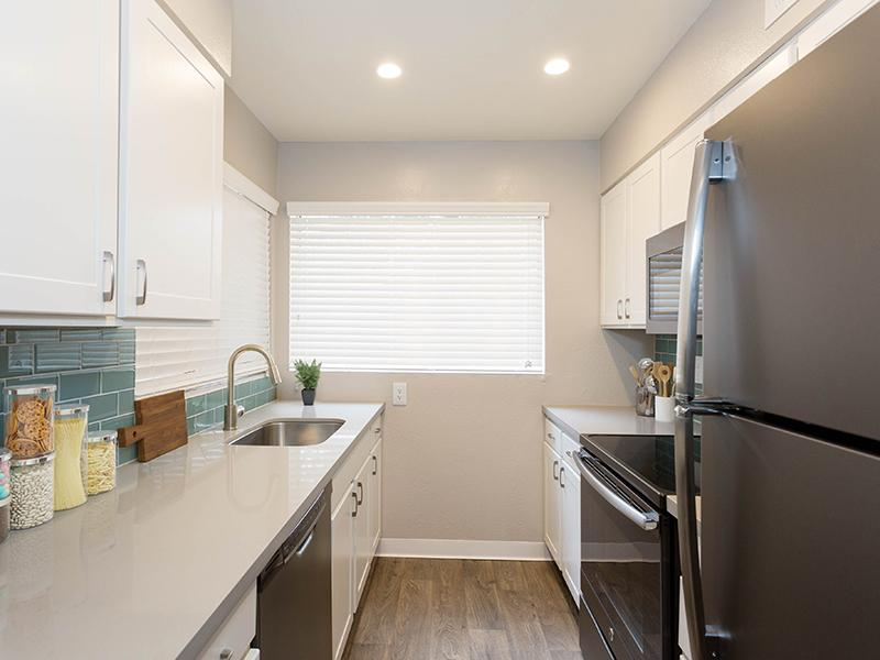 Fully Equipped Kitchen | The Maddox Apartments