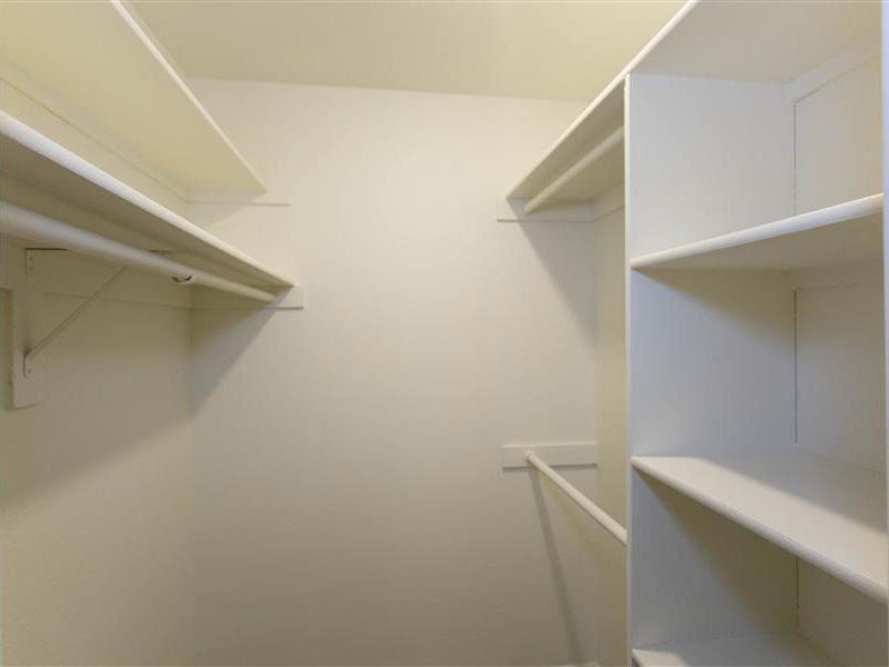 Closet Space | The Maddox