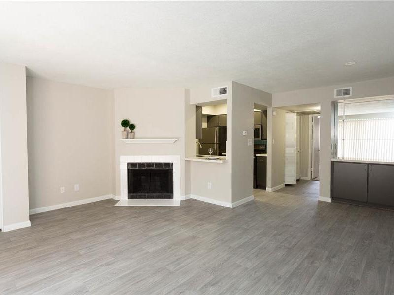Front Room | The Maddox Apartments