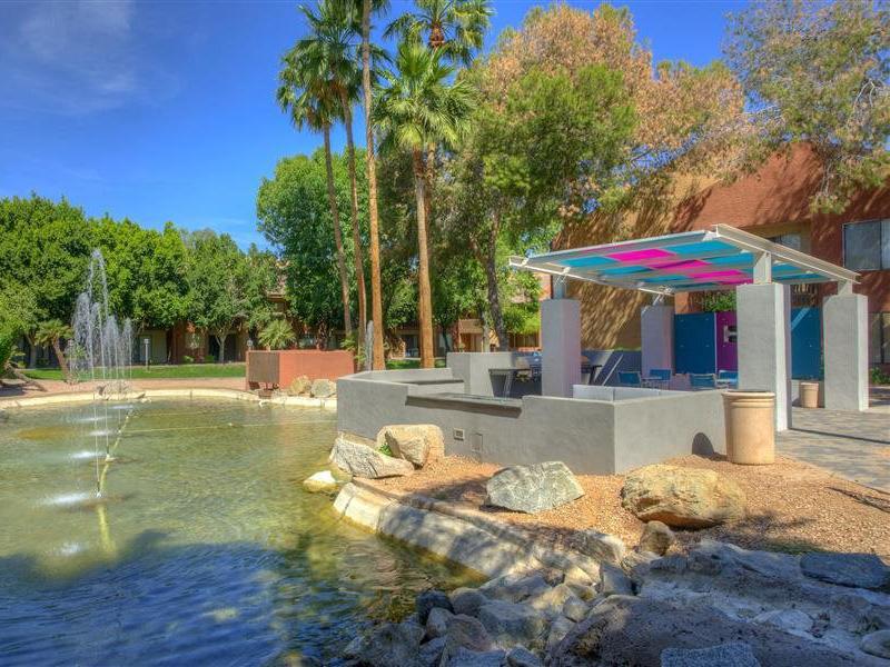 Fountain | The Maddox Apartments