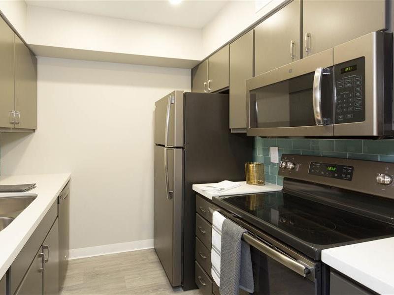 Kitchen | The Maddox Apartments