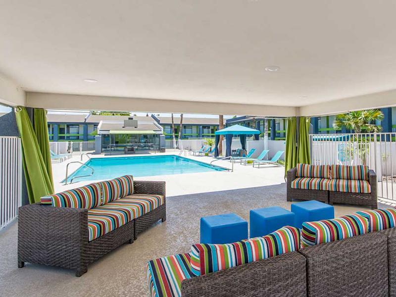 Swimming Pool | Bloom 24 Apartments