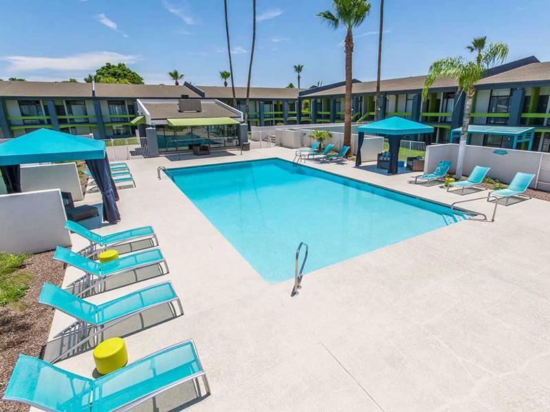 Pool | Bloom 24 Apartments