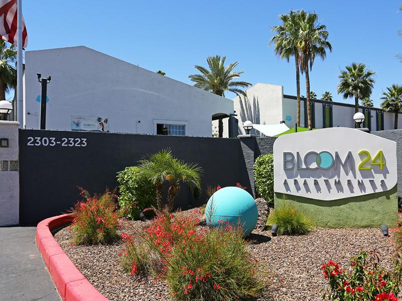 Sign | Bloom 24 Apartments