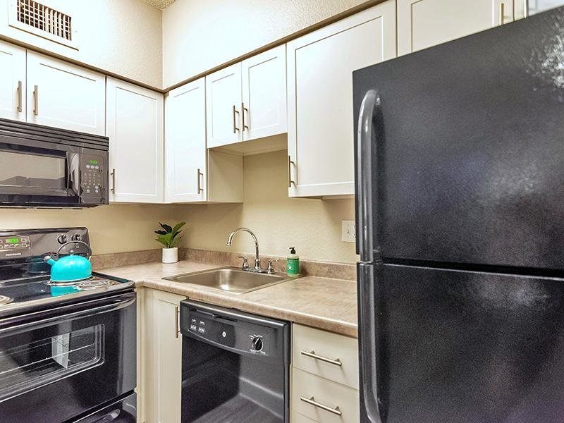 Kitchen | Midtown Flats