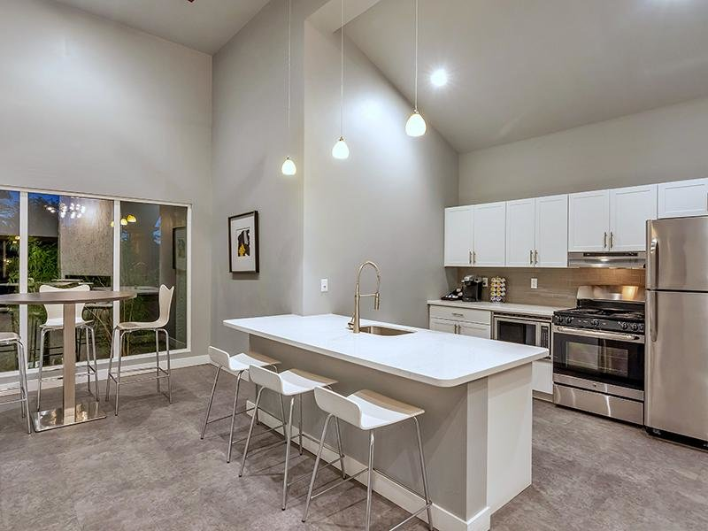 Clubhouse Kitchen | Midtown Flats in Phoenix, AZ