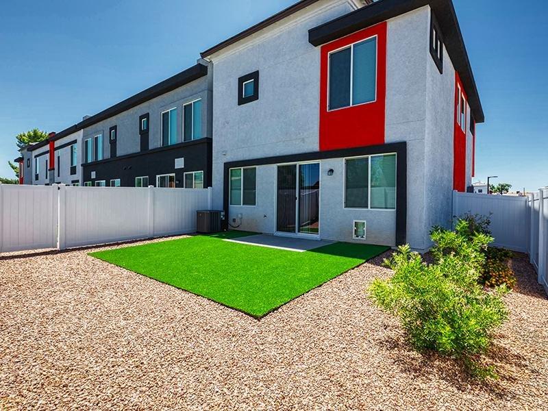 Backyard | Ara Residences in Phoenix, AZ
