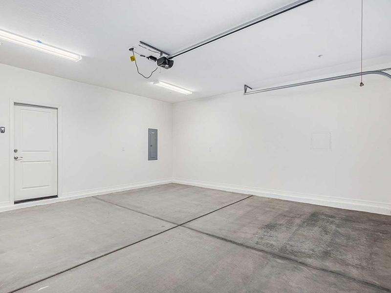 Garages | Ara Residences in Phoenix, AZ