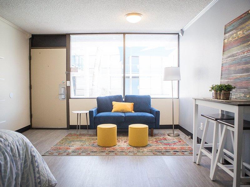 Model Front Room | Vivo Mesa