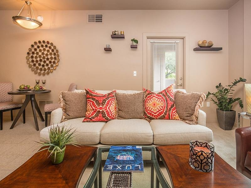 Front Room | Legacy at Dove Mountain