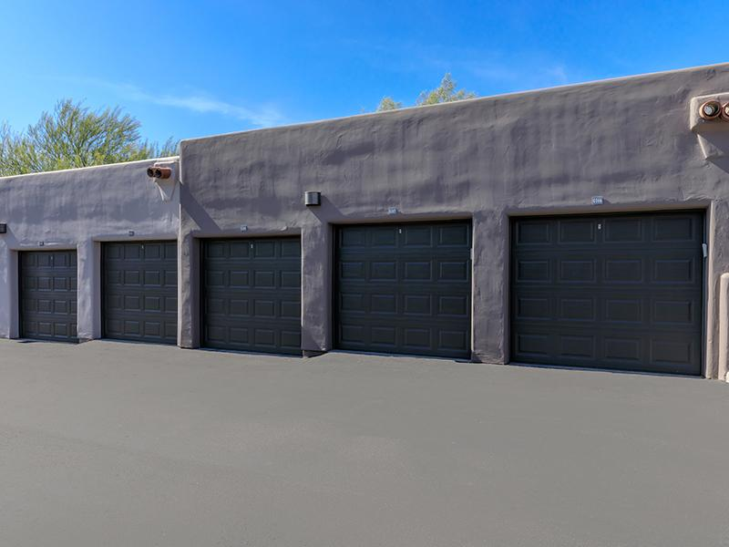Garages | Legacy at Dove Mountain
