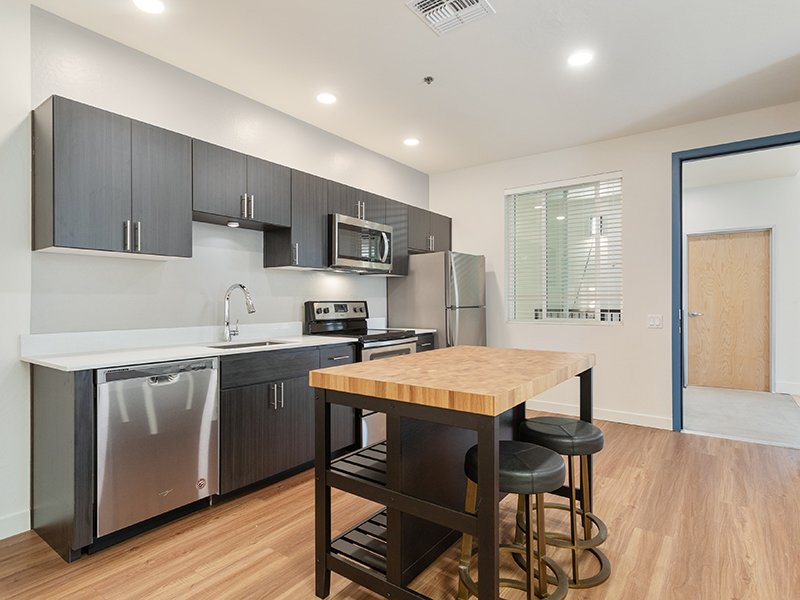 Fully Equipped Kitchen | The Grayson on the Rail