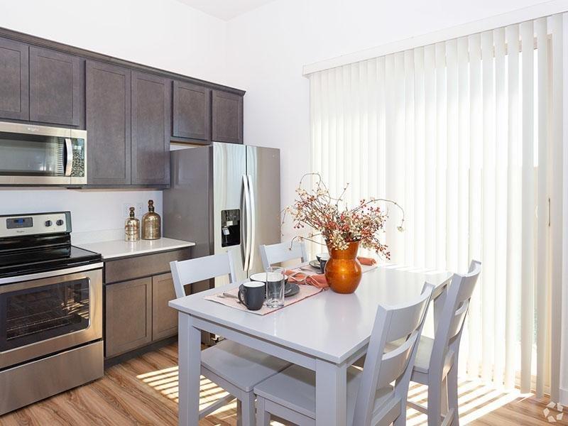 Model Dining Room | Hampton East