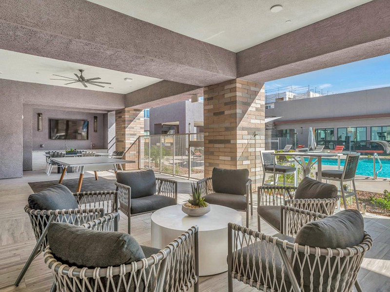 Poolside Lounge | Grayson Place Apartments in Goodyear, AZ