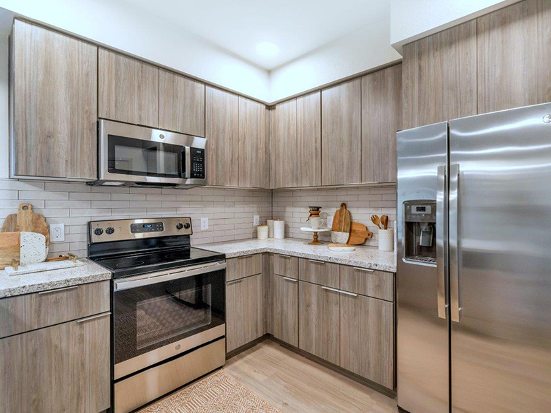 Fully Equipped Kitchen | Grayson Place Apartments in Goodyear, AZ