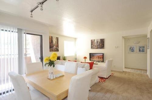 Dining Area | The Villas at La Privada