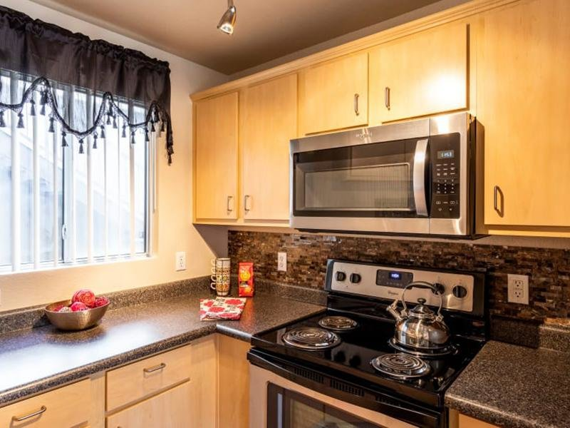 Fully Equipped Kitchen | Broadstone Heights Apartments in Albuquerque, NM
