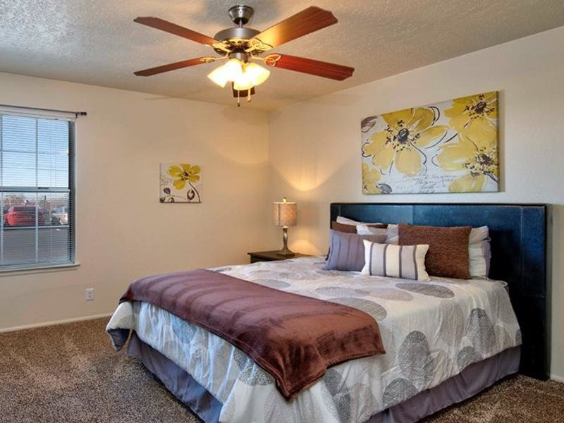 Bedroom | Oak Tree Park Apartments