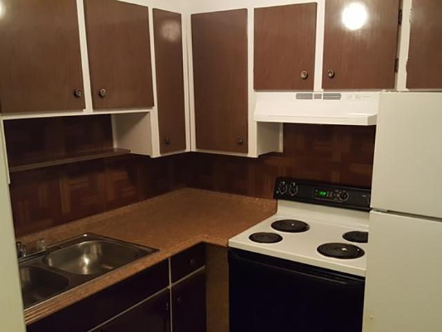 Kitchen | 1111 Woodruff Apartments