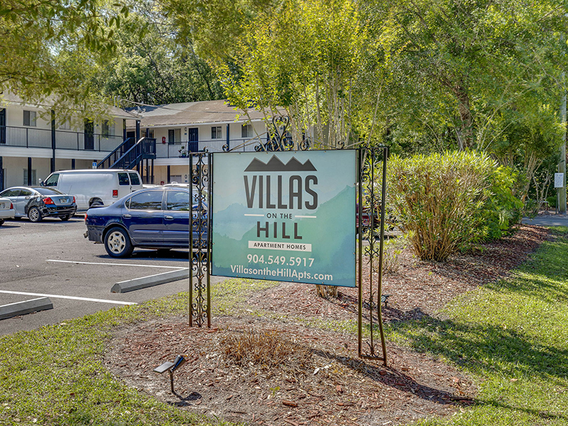 Monument Sign | Villas on the Hill 1111