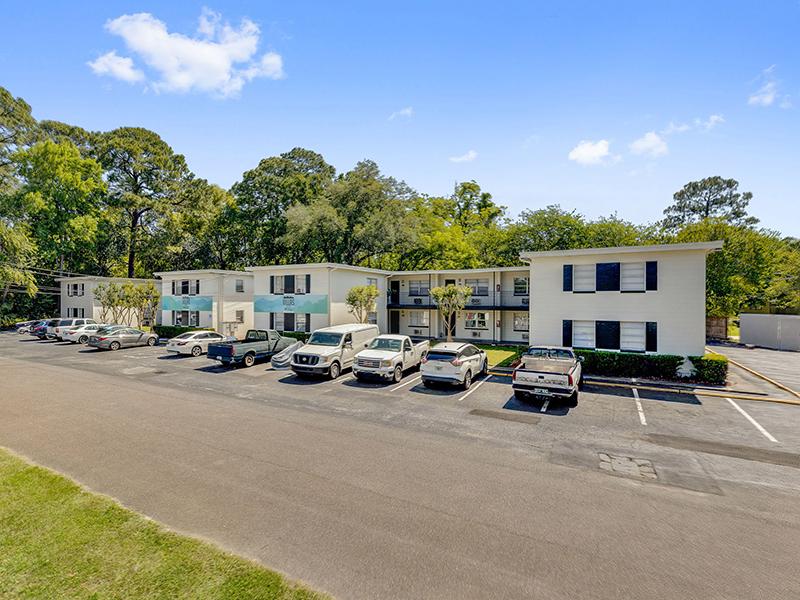 Apartment Exterior | Villas on the Hill 1111
