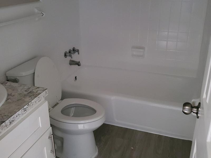 Bathroom | 1111 Woodruff