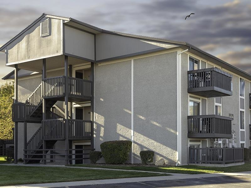 Apartments at Decker Lake in West Valley