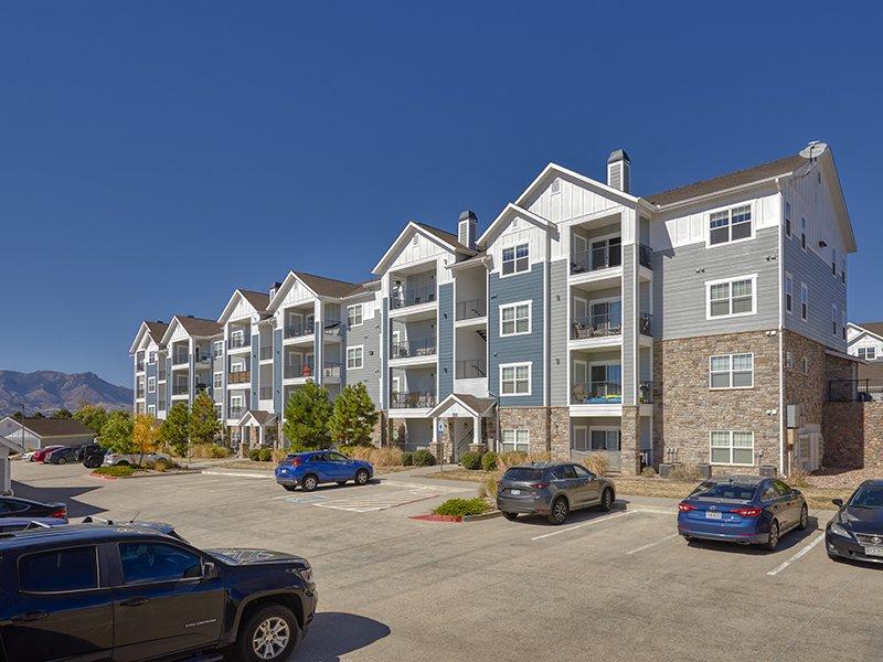 Building | Peaks at Woodmen Apartments in Colorado Springs, CO