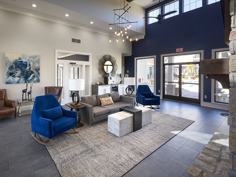 Clubhouse Lounge | Peaks at Woodmen Apartments in Colorado Springs, CO