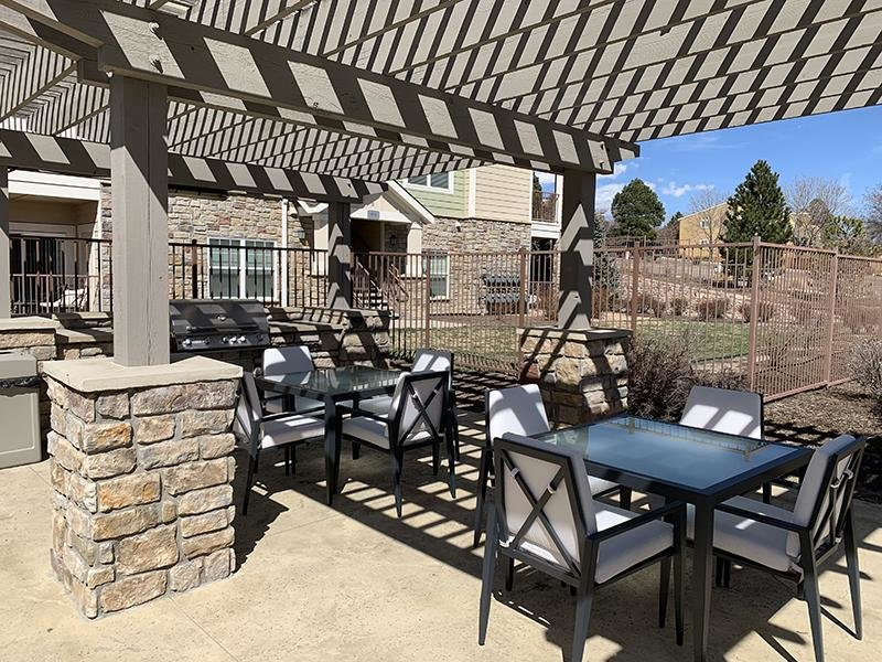 Outdoor Lounge | Peaks at Woodmen