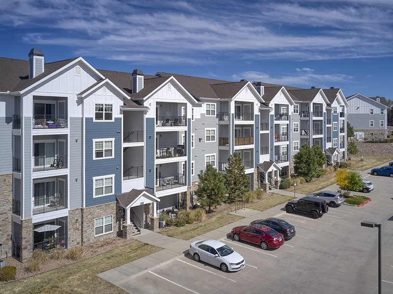 Apartment Building | Peaks at Woodmen Apartments in Colorado Springs, CO