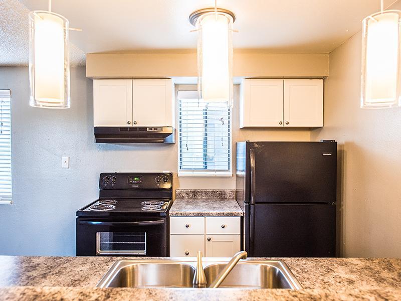 Kitchen | Parkwood Plaza