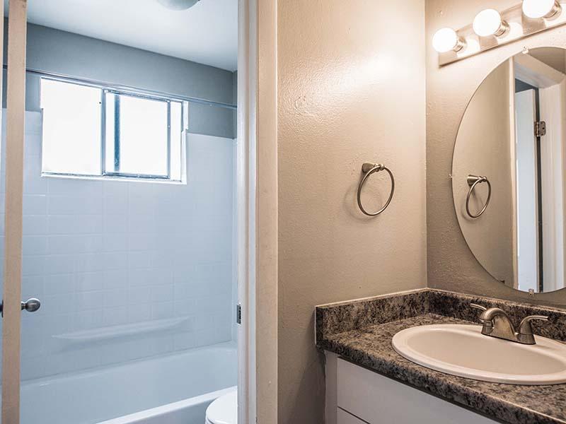 Bathroom | Parkwood Plaza