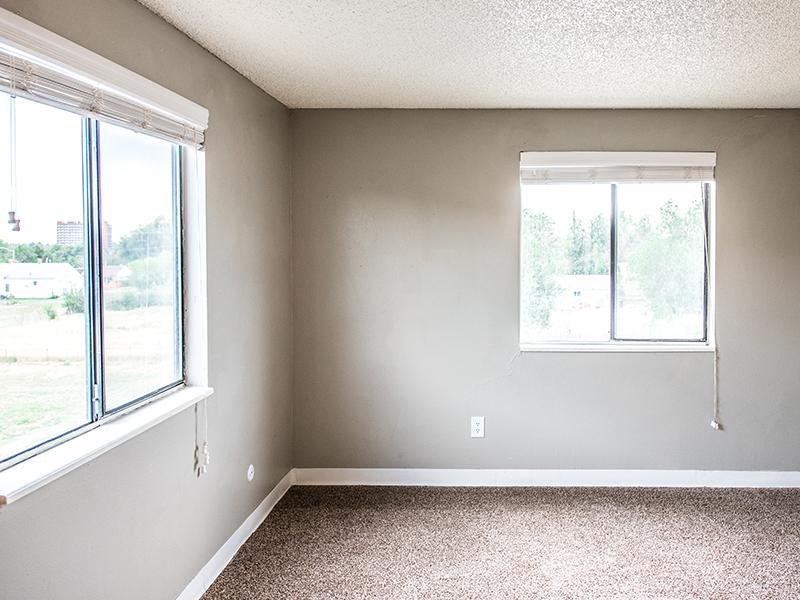 Bedroom | Parkwood Plaza