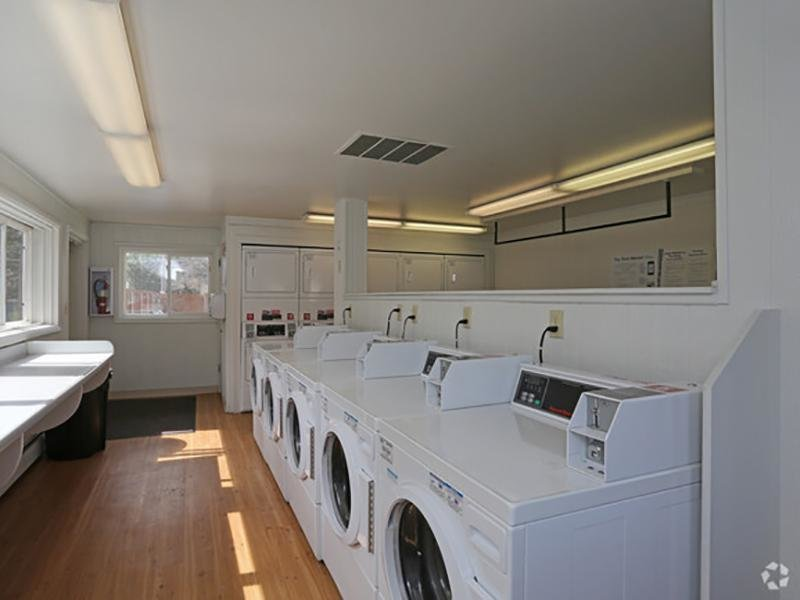 Laundry Room | Franklin Flats in Greenly, CO