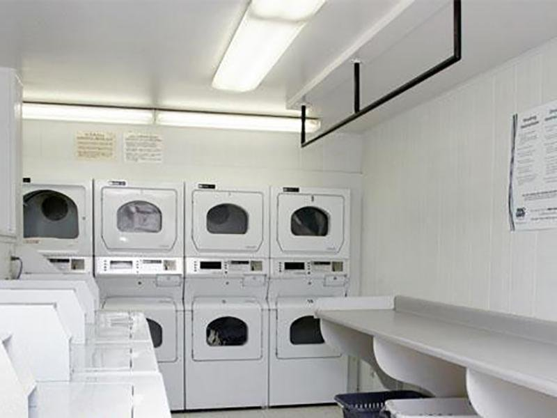 Laundry Facility | Franklin Flats in Greenly, CO